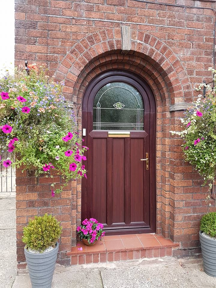 Rosewood PVC Arched Door with Mackintosh glass design